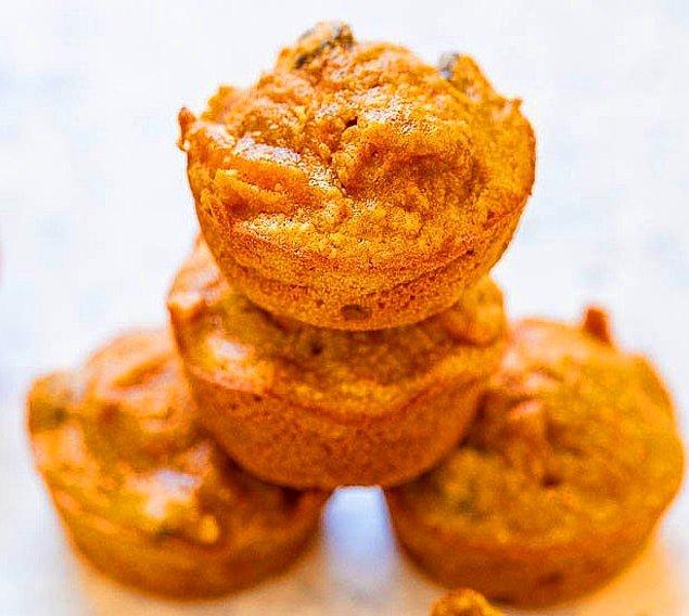 3. Portakallı ve Kuru Üzümlü Muffin Tarifi: