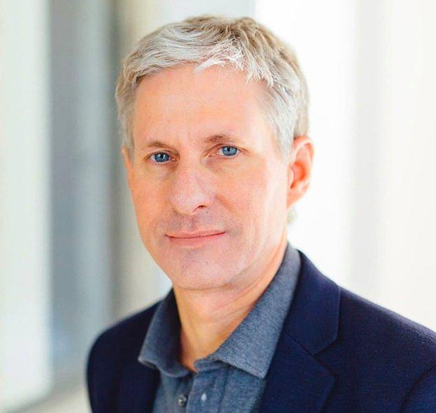 3. Chris Larsen