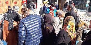 Kırıkkale'de Ücretsiz Maske Dağıtıldı, İzdiham Oldu