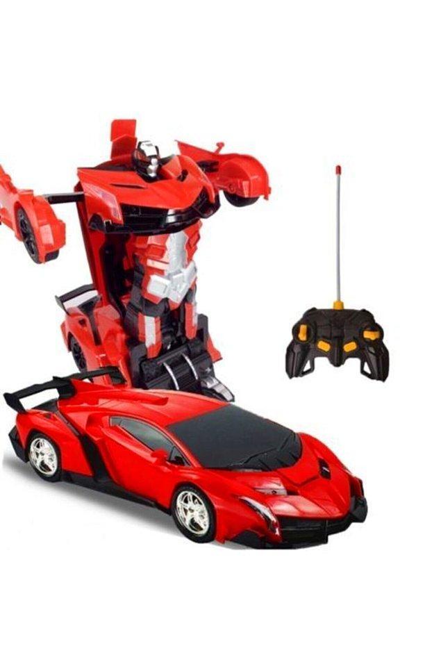 21. Robota dönüşen arabaya da her çocuk bir dönem çıldırıyor...