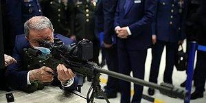 Piyade Olduğunu Hatırlattı: Hulusi Akar, Tüfekle 450 Metredeki Hedefi Tek Atışta Vurdu