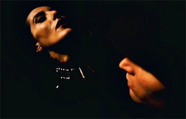 4. Karanlık Sular (1995)
