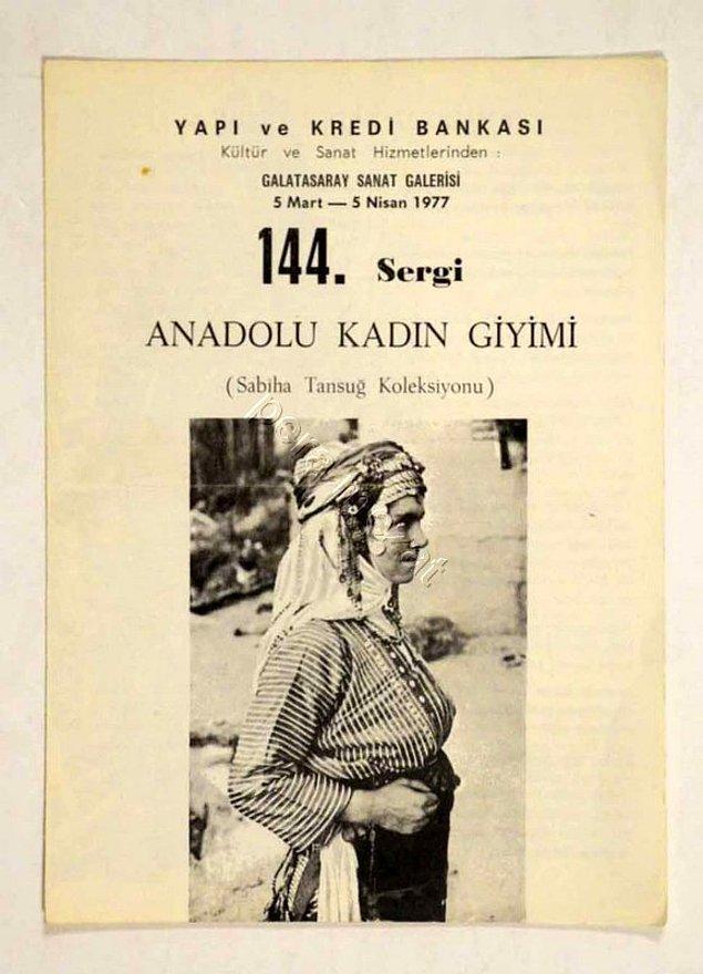 O günden sonra ise Anadolu'nun pek çok yerine seyahat eder ve geleneksel, farklı tarzdaki şapkaları toplar.