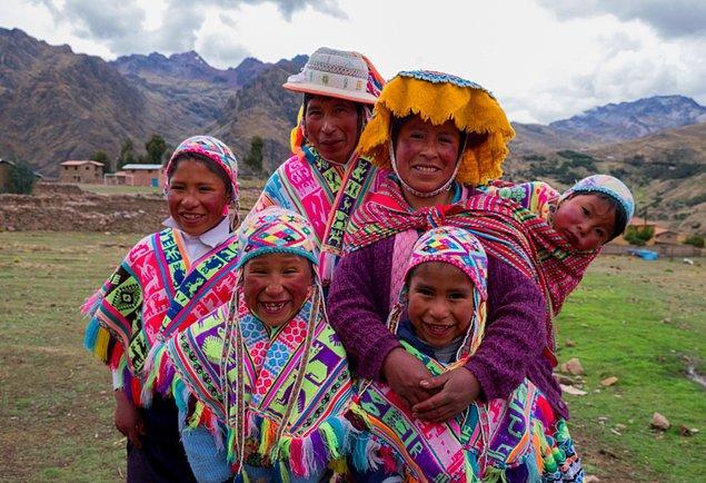 2. Peru'nun nüfusu 29 milyonun üzerindedir.