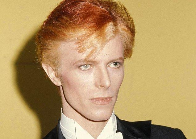 5. David Bowie'nin gözleri aslında iki farklı renkte değildir, bir kavga sonucunda sol gözünde kalıcı gözbebeği genişlemesi meydana gelmiştir.