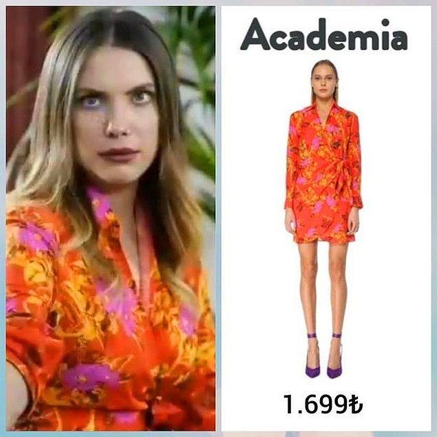 3. Yıldız'ın üzerindeki rengine bayıldığımız elbise Beymen Academia'dan.