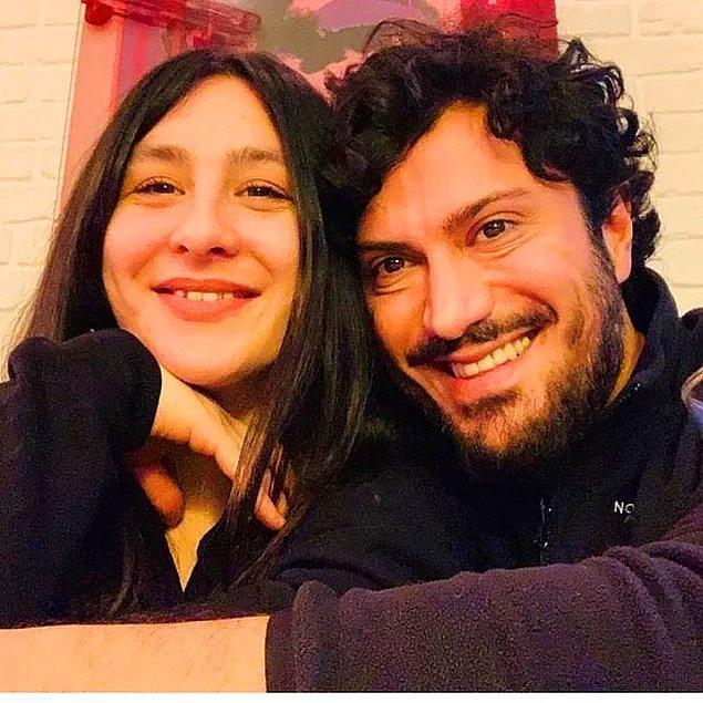 1. Fenomen isim Yasemin Sakallıoğlu ve yönetmen Sevgilisi Burak Yırtar dünyaevine girdi!