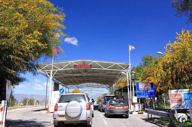 21. Güney Kıbrıs'a geçmek için 7 farklı sınır kapısı vardır.