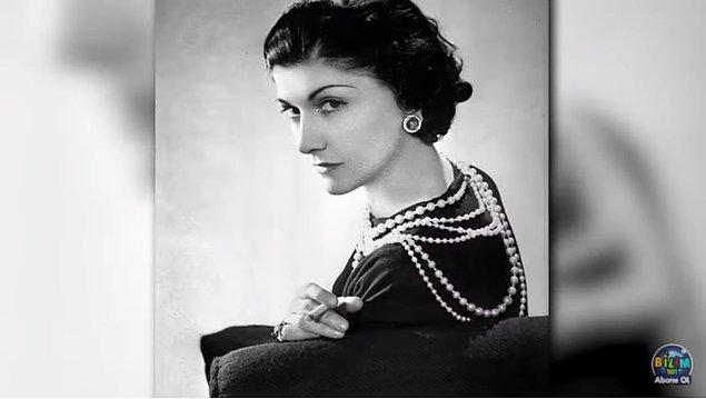1920'li yıllarda bronz ten ve yüzdeki bronz makyaj uygulamaları Coco Chanel tarafından popüler hale getirildi.