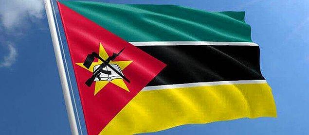 11. Mozambik bayrağında bir AK-47 yer alıyor.