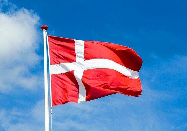 12. Şu anda kullanılan en eski bayrak Danimarka'nın bayrağı...
