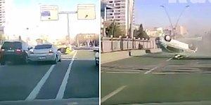 Kayseri'de Meydana Gelen ve Bir Başka Aracın Sıkıştırması Sonucu Takla Atan Aracın Korkutucu Görüntüsü