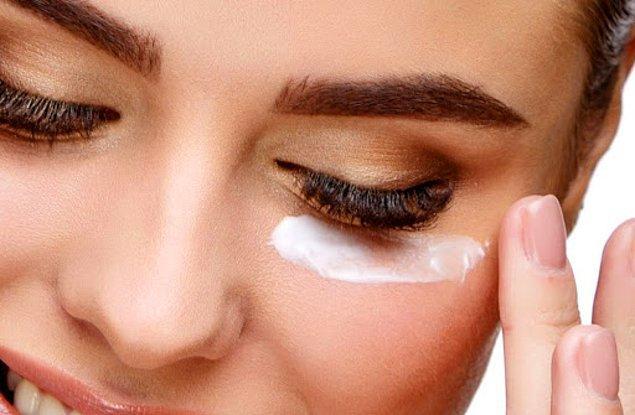 7. Göz çevresindeki hassasiyeti azaltmada yardımcı bir ürün...