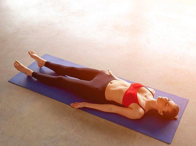 """Richard Miller tarafından aktarılan """"Yoga Nidra'nın 10 Aşaması"""" şöyledir:"""