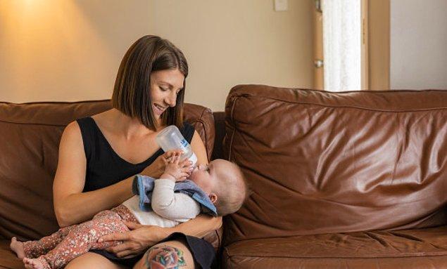 3. Bebeğini emzirmek yerine, mama verdiğin için çevrenden tepki görüyor musun?