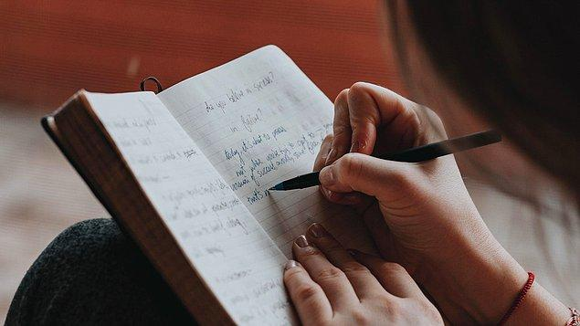 5. Hepsi değil fakat büyük bir çoğunluğu yazı yazmaya da meraklıdır. Boş kaldıkça duygu ve düşüncelerini güzel bir dille anlatmaya önem verirler.