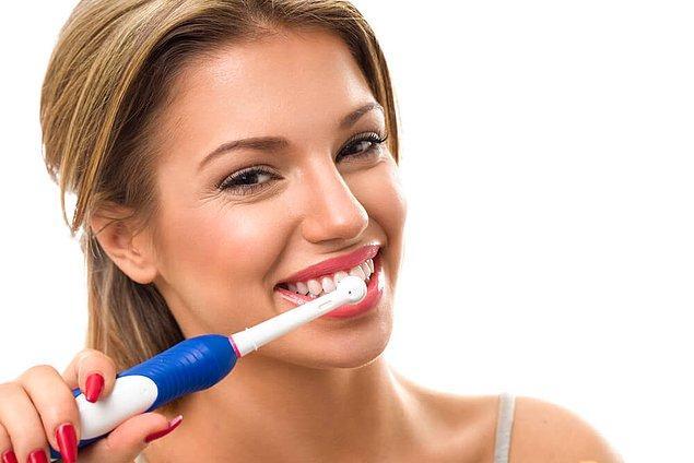 1. Şarjlı diş fırçası epey kullanışlı ve güzel bir hediye...