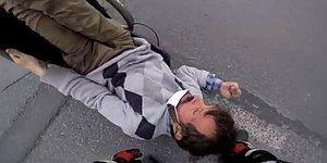 Engelli Adam Yol Ortasında Devrildi: İstanbul'un Göbeğinde İnsanlıktan Utandıran An Kamerada!