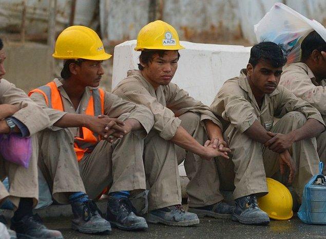4. Katar'da çoğu işçi ve beyaz yakalı göçmendir.
