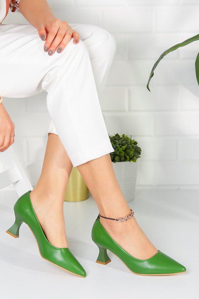 Yeşilin bu tonları ayakkabılara ayrı bir hava katıyor...