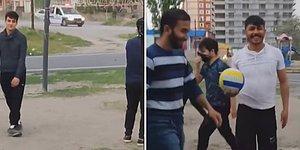 Sokağa Çıkma Yasağında Top Oynayan Gençlere Polisten Anons: 'Bakışmaya Gelmedim, Dağılmanızı Bekliyorum'