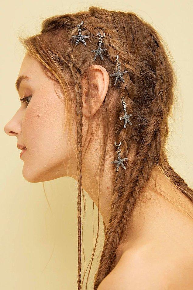 5. Örgülere bu saç küpeleri çok yakışıyor.