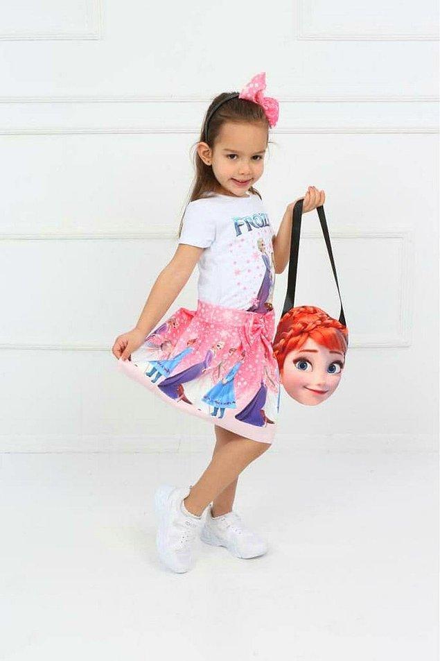 12. Etek, bluz, çanta ve taç... Komple bir Frozen seti...