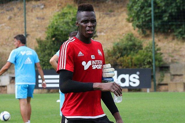 Son bir kez şansını Marseille B takımında denemeye karar verdi.
