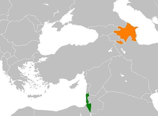 Aslında birbirine görece uzak ancak çok yakın olan bu iki devletin, ilişkilerinin başladığı yıla gidersek tarih 1991'dir ve Azerbaycan Sovyetler'den koparak bağımsızlığını ilan eder.