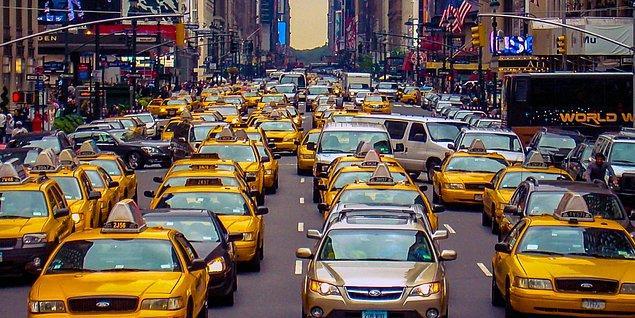 Otonom araçlarının yaygınlaşmasıyla kişilerin sahip olduğu araç sayısı düşecek. 2020 yılında Amerika'da 247 milyon otomobil bulunurken, 2040 yılında bu rakamın 45 milyona kadar düşeceği söyleniyor.