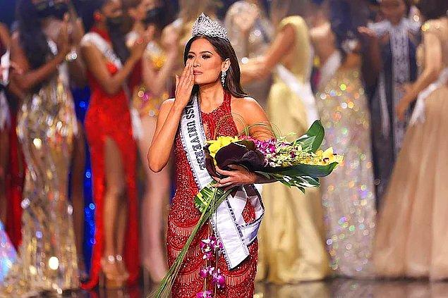 Geçtiğimiz gün düzenlenen Kainat Güzellik Yarışması'nda birinci Meksika güzeli Andrea Meza olmuştu.