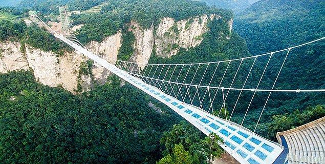 2. Zhangjiajie Cam Köprüsü - Zhangjiajie, Çin