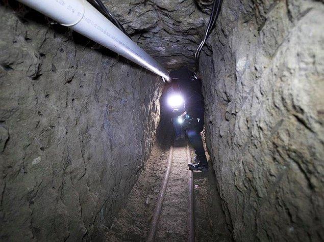 Daha sonrasında El Chapo kendini tünel kazma alanında geliştirdi hatta Meksika sınırında boş bir ev aldı ve Kaliforniya'ya geçmek için tünel kazmaya başladı.