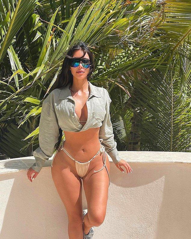 Kim Kardashian, uzun yıllardır bikini üstü olarak tişört ve gömlek tercih ediyordu.