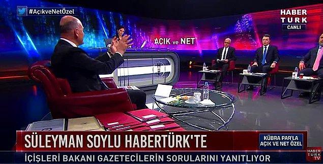 """İçişleri Bakanı Süleyman Soylu, dün akşam Sedat Peker'in iddialarını yanıtlamak için HaberTürk'te ekrana gelen Kübra Par'ın sunduğu """"Açık ve Net"""" isimli programa katılmıştı. Moderatör Kübra Par'a gazeteciler Merdan Yanardağ, İsmail Saymaz, Veyis Ateş ve Mehmet Akif Ersoy eşlik etmişti."""