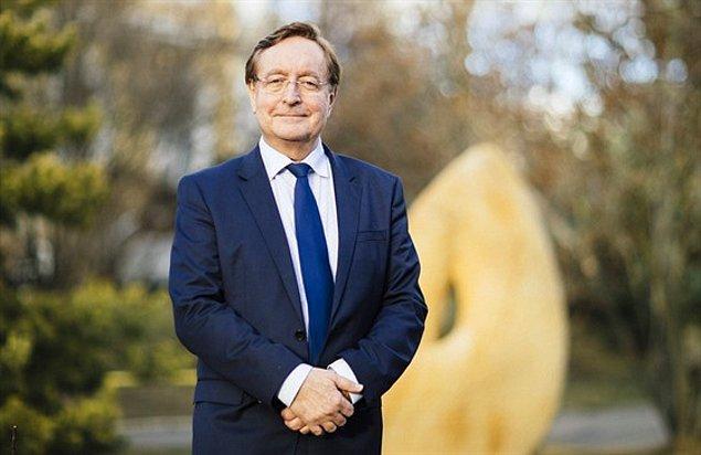 2020 yılının mart ayında salgın halini alan Kovid-19 sürecinde Arenberger ülkenin dördüncü sağlık bakanı olmuştu.