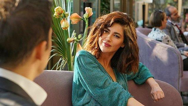 Yasak Elma dizisinde Şahika Ekinci olarak kariyerini iyice yukarı çekti. Dizinin yönetmen yardımcıyla tartışması ve rol arkadaşı Eda Ece ile gerilmesi de yine kendisiyle ilgili gündemlerden.