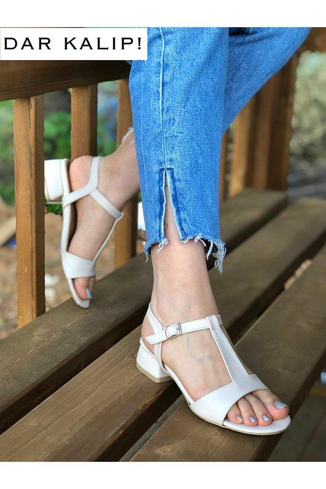 10. Ayaklarınız inceyse açık ayakkabılar size çok yakışacaktır.