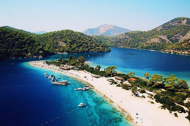 11. Ölüdeniz 2006 yılında dünyanın en güzel kumsalı seçildi.
