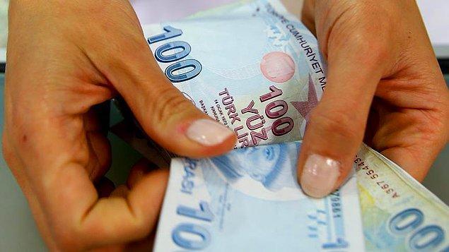 Merkez Bankası'nın faiz indirimi kararının ardından Türk Lirası'nda hızlı değer kaybı yaşandı.