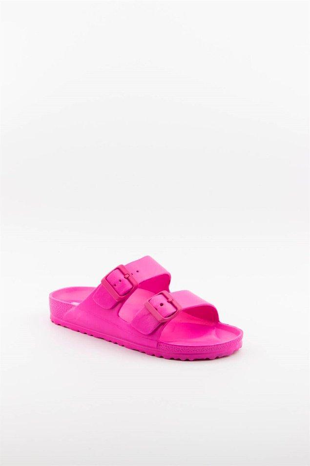 5. Fuşya rengi uygun fiyatlı bir terlik... İster evde giyin ister plajda...