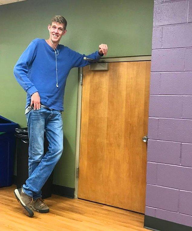 """17. """"Evet, bu kapıdan daha uzunum."""""""