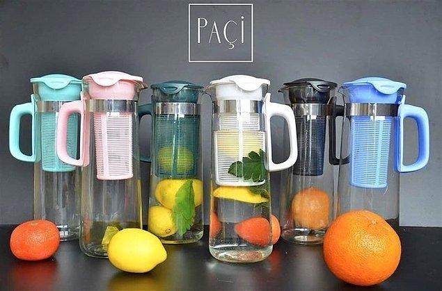 12. Toksinleri vücudundan atmak için kullandığımız limonlu, salatalıklı, zencefilli sularınızı hazırlamak için filtreli sürahiler oldukça pratik.