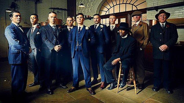 16. İtalyan mafyası zamanla ABD'ye gitmiştir ve Al Capone gibi tanınmış mafya liderleri yaptıkları şeyler nedeniyle popülerlik kazanmıştır.