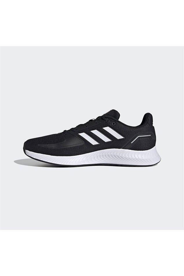 1. Adidas ayakkabılarda indirim var.