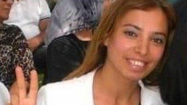 Saldırı gerçekleştiren Onur Gencer'in kapıyı açan yemek ve temizlik işleriyle ilgilenen 40 yaşındaki Deniz Poyraz'ı katlettiği öğrenildi. Saldırgan Onur Gencer de olay yerine gelen polis ekiplerine teslim oldu.