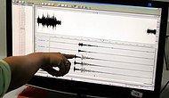 İki Yakadaki Birçok İlçede Hissedildi: İstanbul'da Korkutan Deprem!