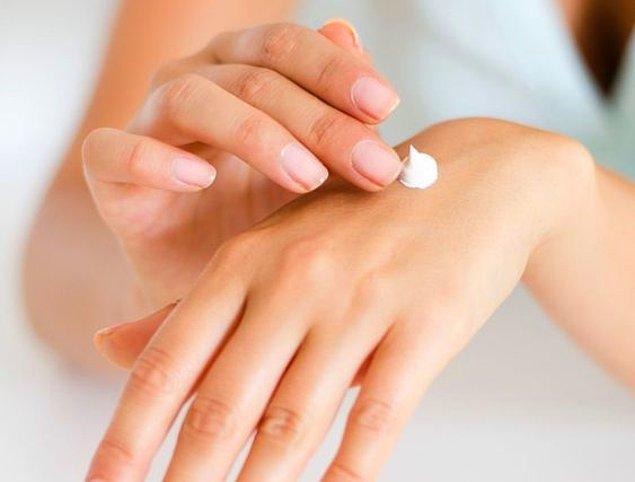10. Besleyici özelliklere sahip el kremleri kullanın!
