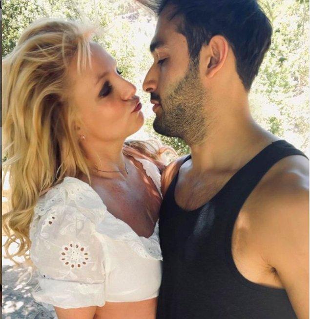 Ayrıca erkek arkadaşı Sam Asghari ile evlenmek istediğini söylüyor.
