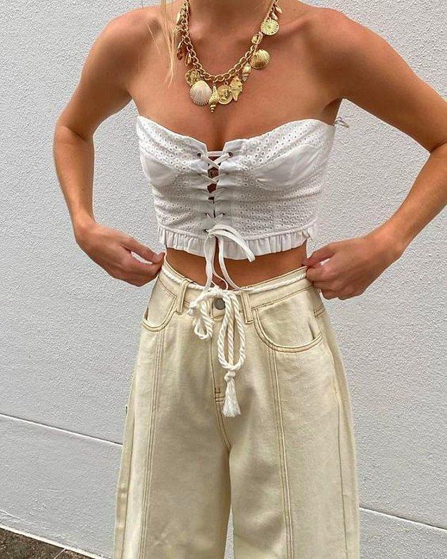 10. Straplez giysilerinizde tercihiniz orta boy kolyeler ya da chokerlardan yana olmalı!